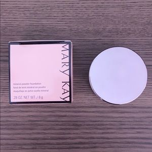 NEW!!!! Mary Kay Mineral Powder Foundation Beige 2